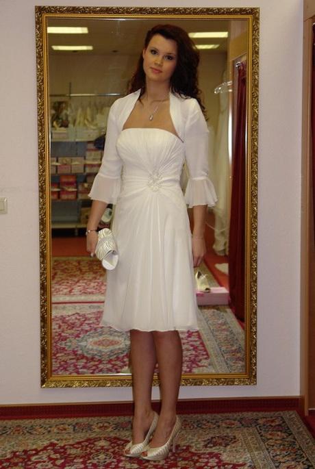 Re Kleid Mit Mantel Für Standesamt Gesucht Pictures to pin on ...