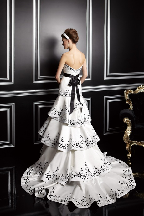 Brautkleid extravagant