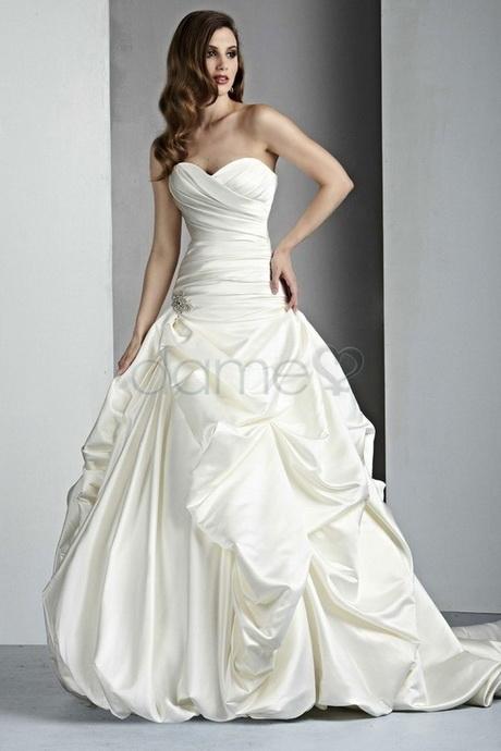 Hochzeitskleider Trägerlos Pictures to pin on Pinterest
