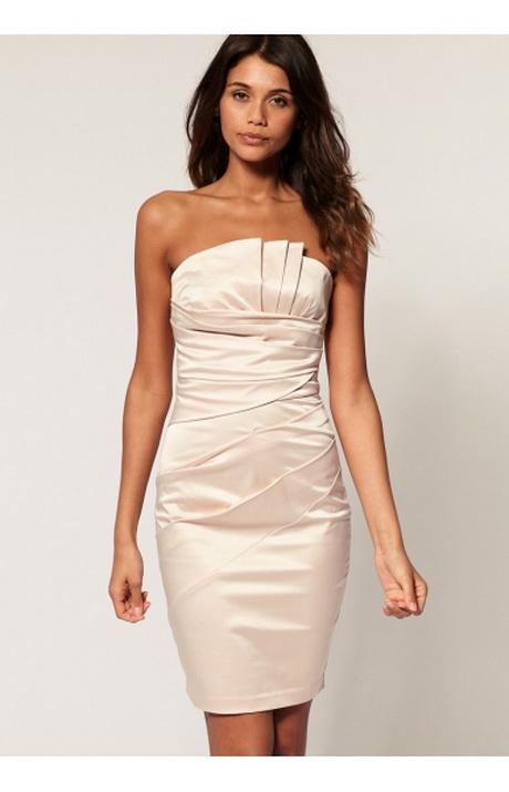 Kleid für eine hochzeitsfeier