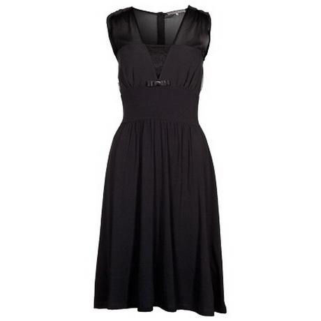 Outfit schwarzes kleid