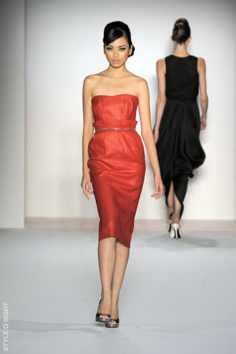 Rotes kleid strumpfhose