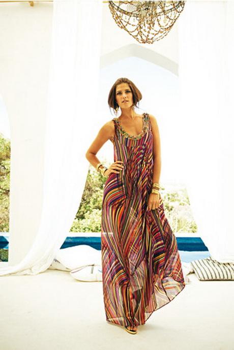 Выкройка длинного платья из шифона особенно пригодится невысоким женщинам, так как оно визуально удлиняет фигуру