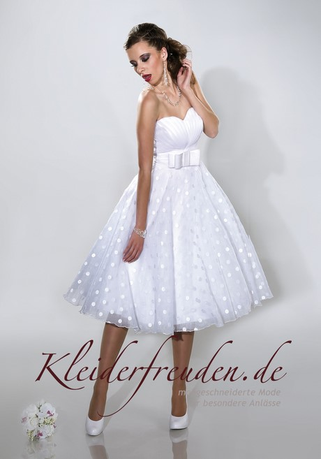 Weißes kleid für standesamtliche trauung