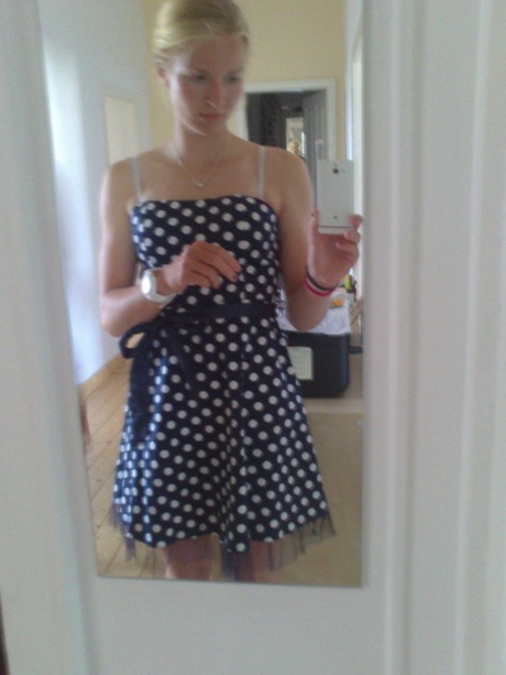 Weißes Oder Blaues Kleid
