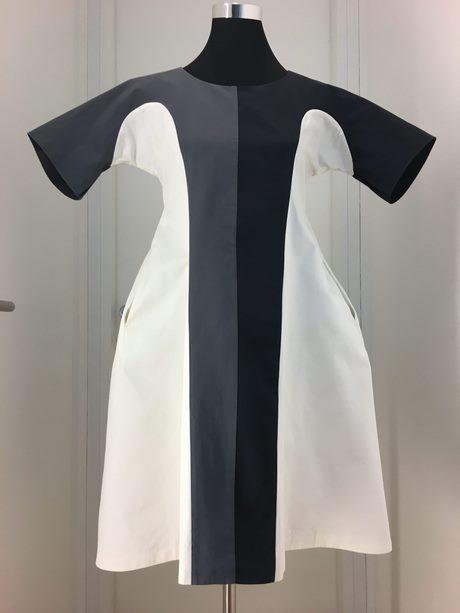 Kleid blau schwarz weiß gold lösung