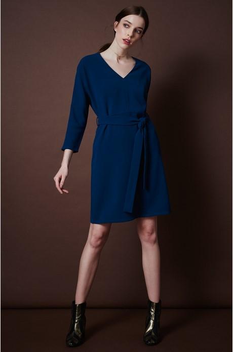 Blaues winterkleid