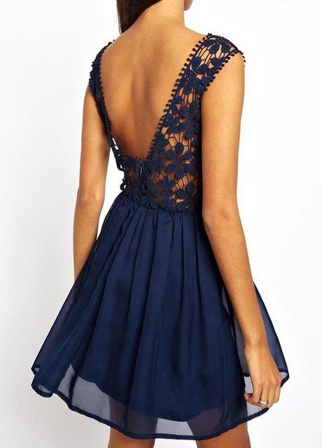 Blaues kleid rückenfrei