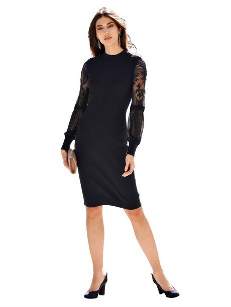 Schwarzes langes kleid mit rückenausschnitt