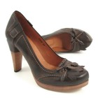 Harlot pumps
