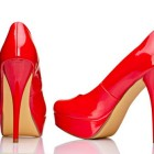 Rote lack high heels